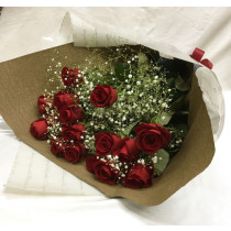 バラとかすみ草の花束
