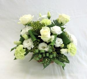 白とグリーンのアレンジメント