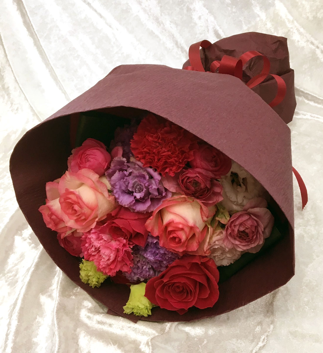 バラ・カーネーション・トルコキキョウMIX花束